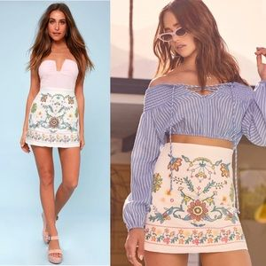 🆕 Lulu's White Embroidered Mini Skirt